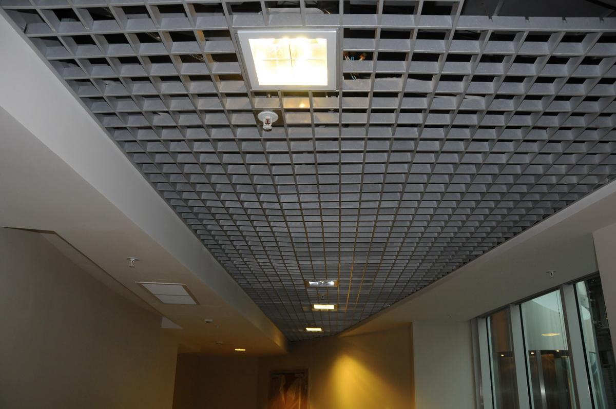 подвесные решетчатые потолки фото просторов интернета